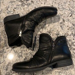 Mix Mooz 9 , leather booties